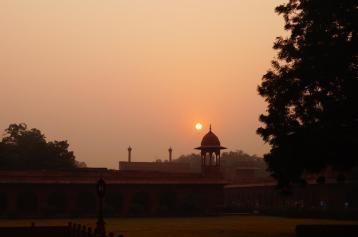 Die Sonne scheint, der Taj strahlt.