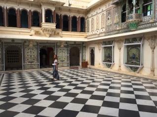 City Palace und das Mädl.